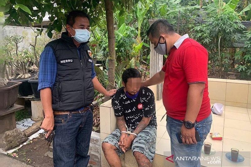 Polisi tangkap pencuri spesialis ponsel di Kembangan