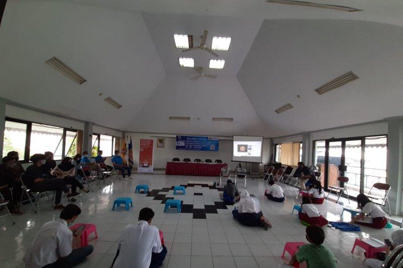 Siswa Kelurahan Karet Kuningan dapat akses internet gratis setahun