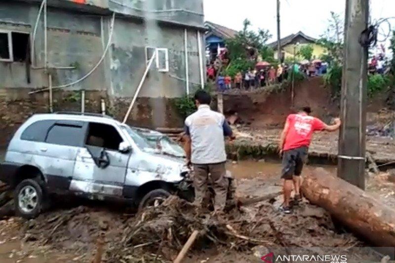 Pemkab Sukabumi tetapkan tanggap darurat banjir hingga 27 September