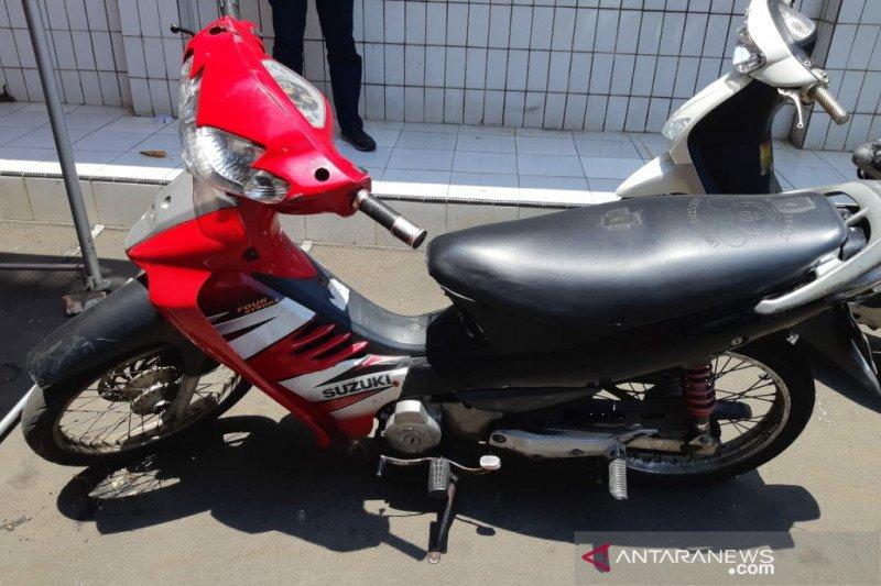 Berawal dari COD, Polsek Johar Baru tangkap pencuri motor