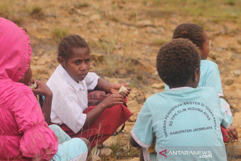 Pelajar pedalaman Papua tidak menikmat internet gratis