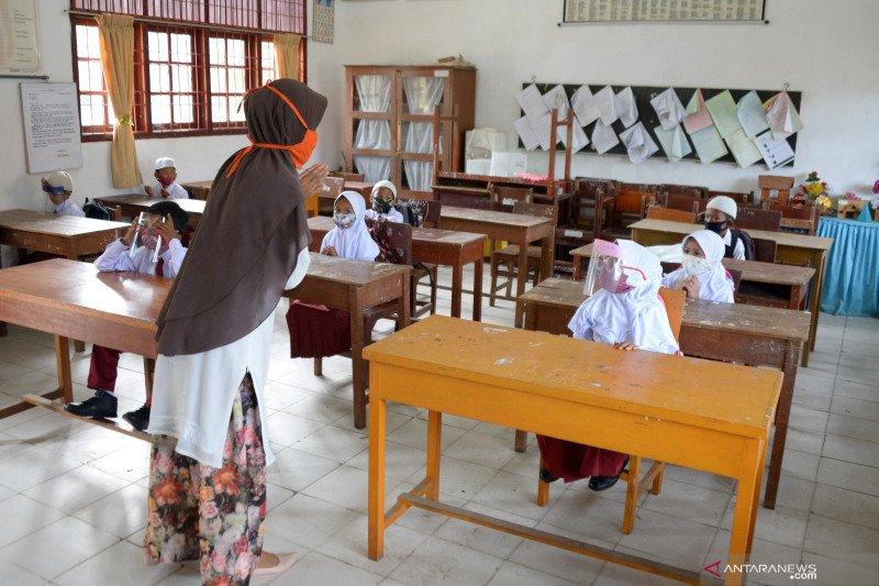 Aktivitas sekolah dengan penerapan protokol kesehatan