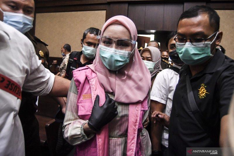 Jaksa Pinangki didakwa lakukan cuci uang dari