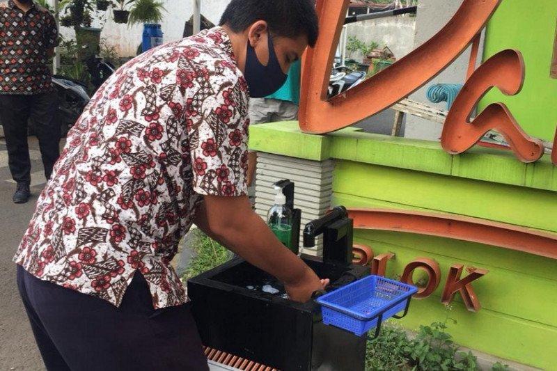 Rekind salurkan bantuan wastafel bagi warga Jakarta
