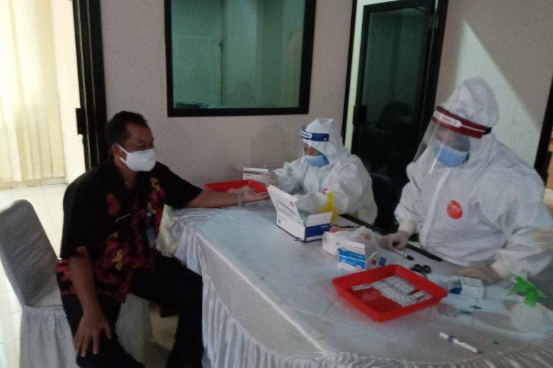Dua staf DPRD Banten positif COVID-19