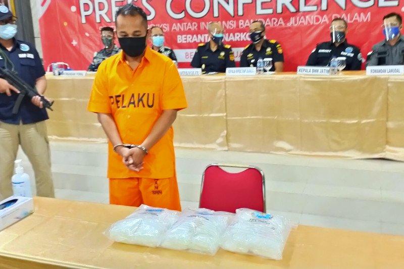 Bea Cukai Juanda gagalkan pengiriman sabu tiga kilogram