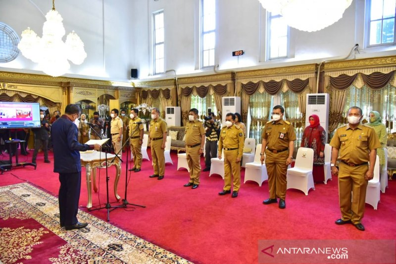 Gubernur Nurdin kukuhkan tujuh penjabat sementara bupati