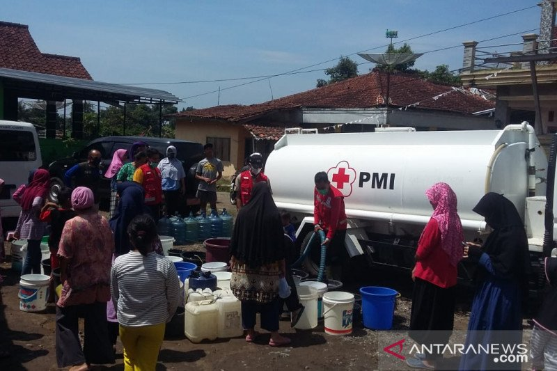 BPBD Sukabumi: 1.107 warga terdampak banjir bandang Cibuntu