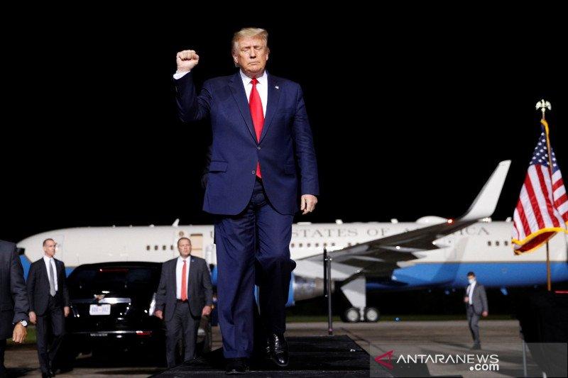 """Gaet pemilih kulit hitam, Trump janji """"Juneteenth"""" jadi libur federal"""