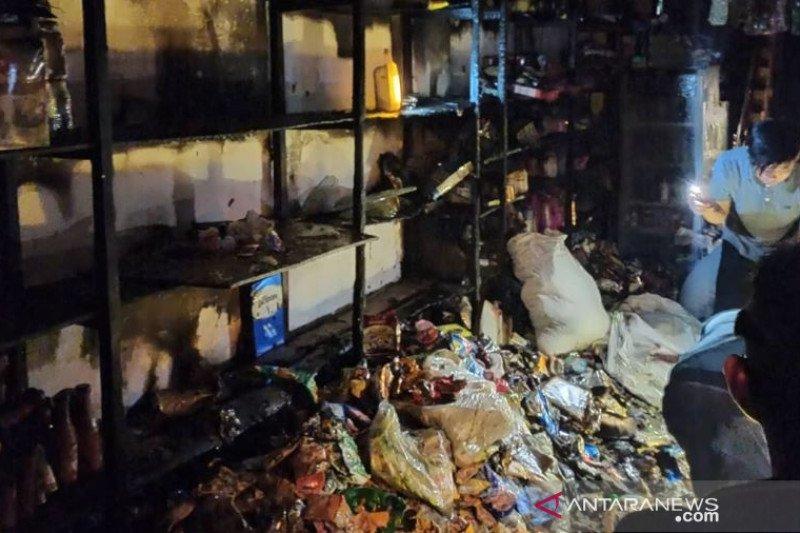 Kebakaran di Pasar Negara diduga karena arus pendek