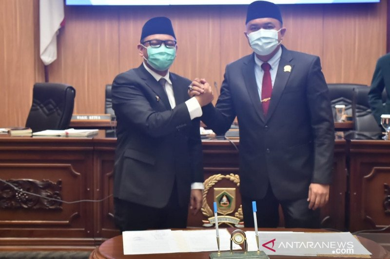 Sempat jabat tangan Ketua DPRD Bogor, Wabup negatif COVID-19