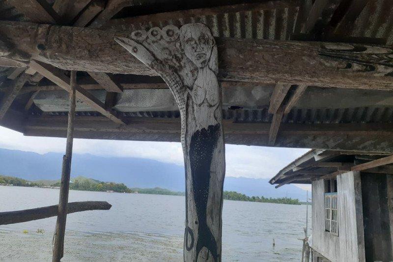 Ukiran motif putri duyung ditemukan Balai Arkeologi Papua