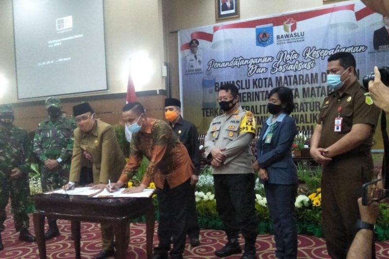 Pemkot-Bawaslu Mataram tandatangani MoU netralitas ASN dalam pilkada
