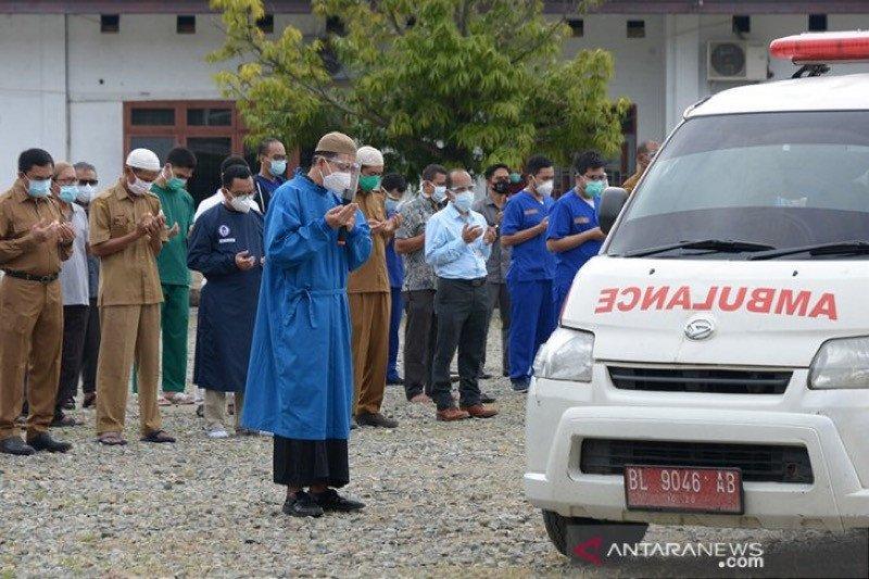 Tujuh wafat, IDI Aceh sebut 400 tenaga kesehatan positif COVID-19