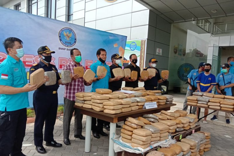 BNNP Banten gagalkan penyelundupan 301 kilogram ganja
