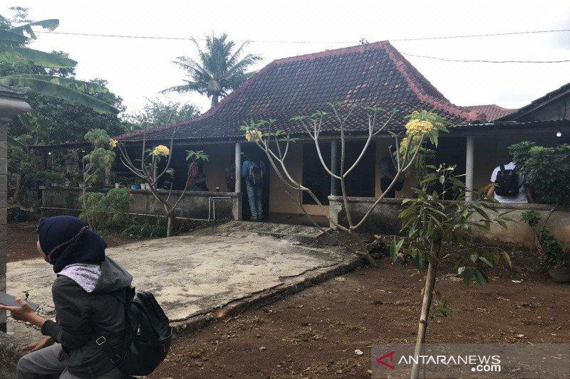 Densus 88 geledah rumah milik W di Kabupaten Gunung Kidul