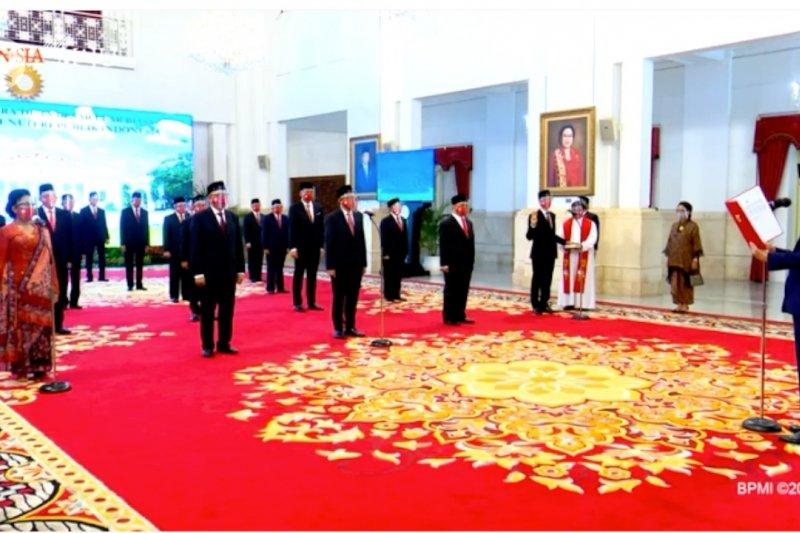 Presiden lantik 20 Duta Besar RI