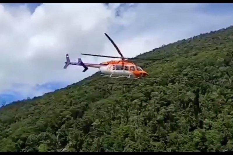 Hilang kontak, tim SAR temukan helikopter mendarat darurat di Paniai