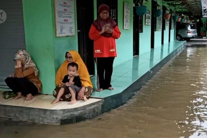 Epidemiolog: Waspadai potensi klaster COVID-19 di tempat pengungsian