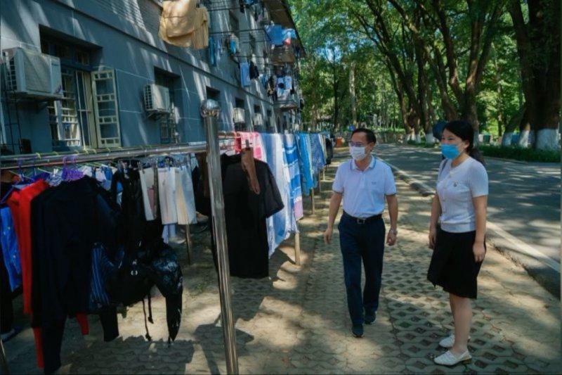 Universitas di Wuhan dibuka kembali, mahasiswa ramai-ramai jemur selimut