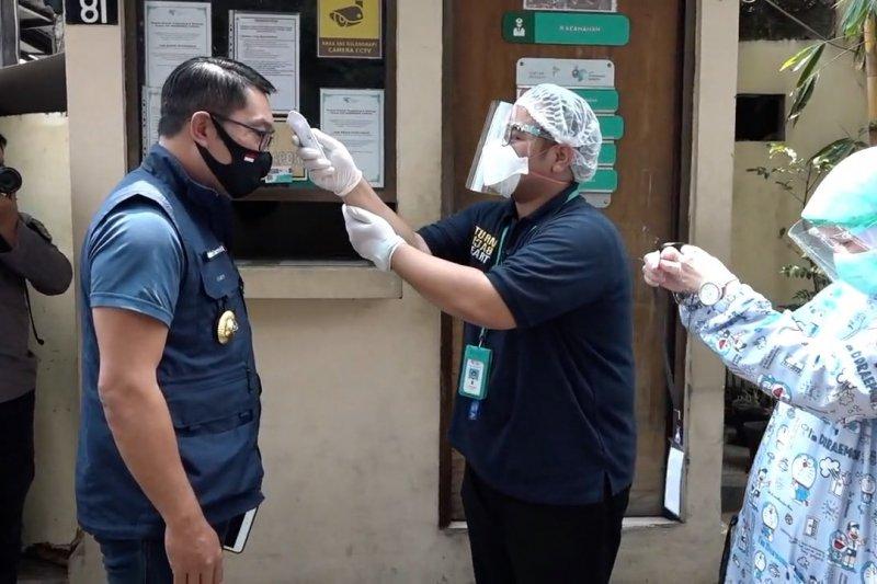Ridwan Kamil jalani suntikan kedua vaksin COVID-19