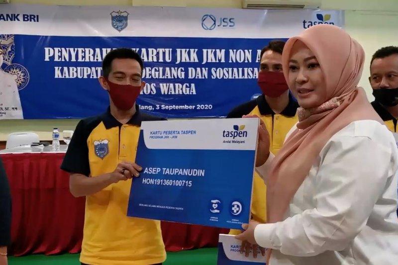 BUMN PT Taspen berikan JKK dan JKM bagi ribuan honorer Pandeglang