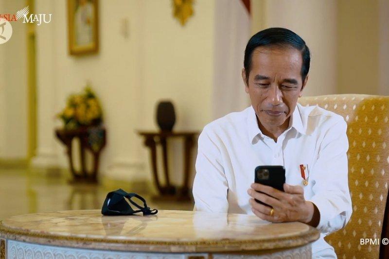 Video call dengan dokter paru, Jokowi bayangkan beratnya tangani COVID-19