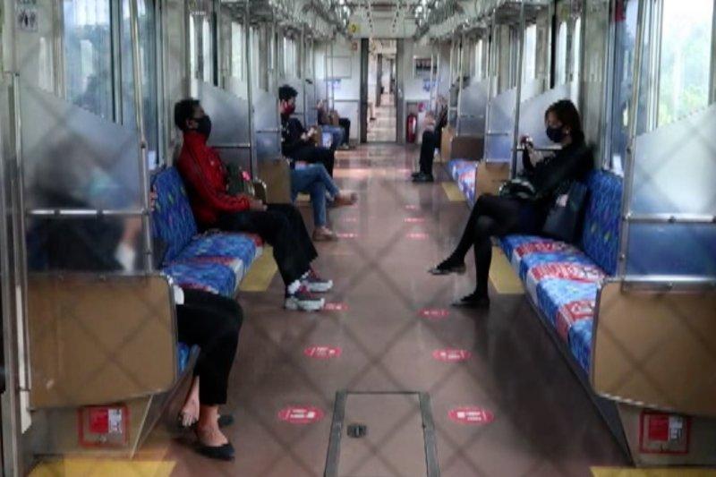 Memantau kondisi transportasi KRL saat PSBB di Jakarta