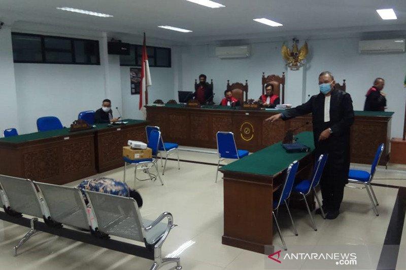 Majelis hakim bebaskan dua terdakwa korupsi telur ayam Rp2,6 miliar