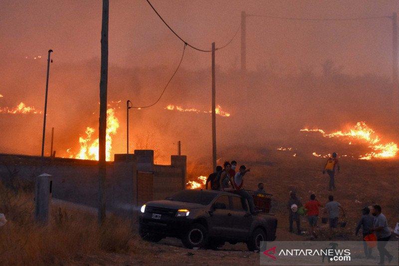 Dahsyatnya kebakaran hutan dan lahan di Argentina