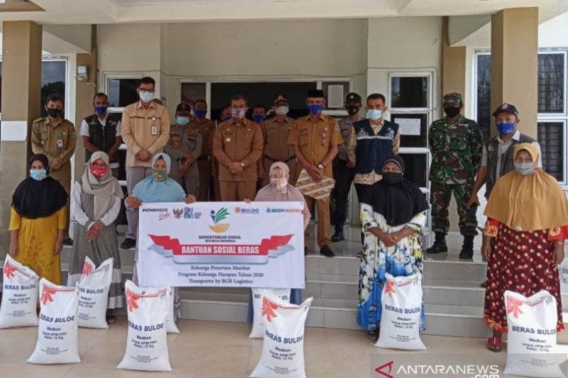 Bulog mulai salurkan 137,8 ton rastra untuk 4.596 KK di Aceh Jaya
