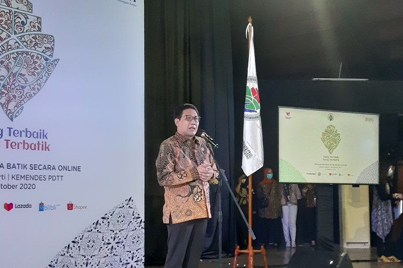 Mendes PDTT ajak masyarakat bangga memakai batik