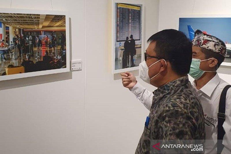 """Sekda Denpasar apresiasi Pameran Foto """"Grubug Ageng"""" dalam Denfest-20"""