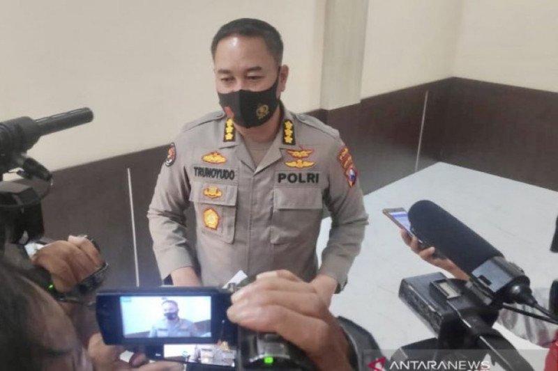 Propam Polda Jatim periksa polisi viral dangdutan