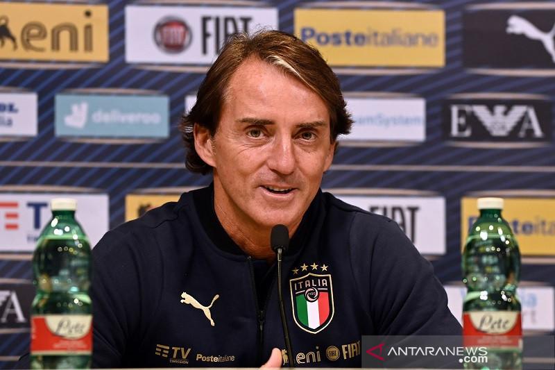 Andrea Belotti dan Lazzari tinggalkan kamp latihan timnas Italia