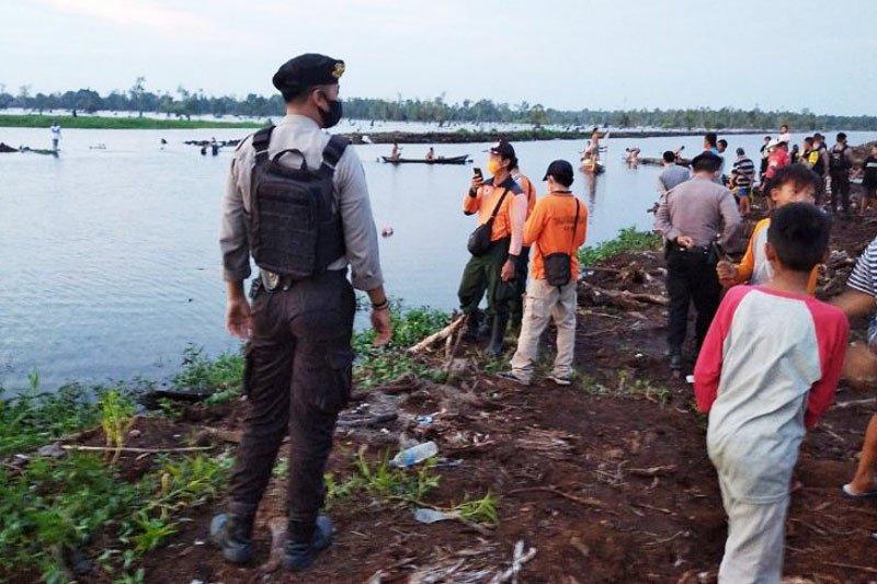 Buat video, Seorang anak tenggelam di Sungai Kahayan Palangka Raya