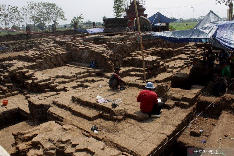 Ekskavasi situs Bhre Kahuripan di Mojokerto