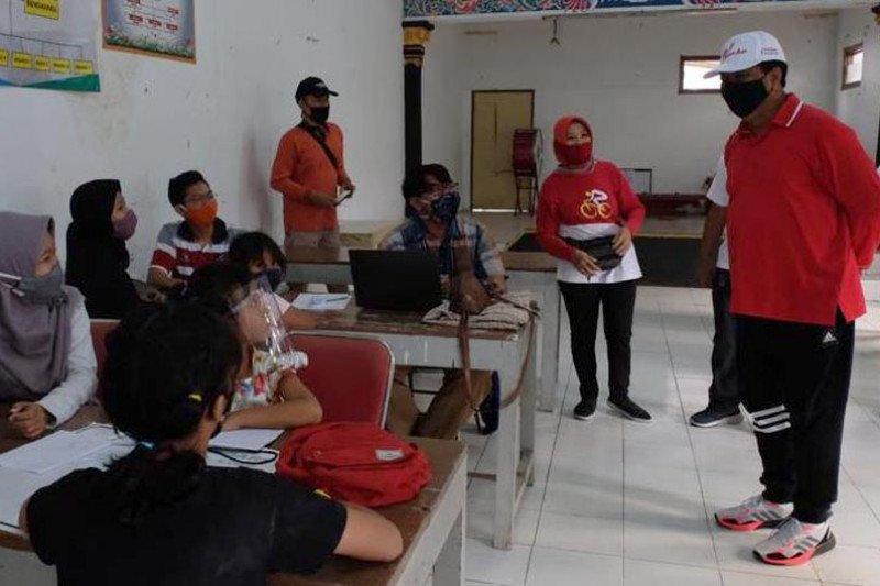 Dinsos Kota Magelang salurkan bantuan dukung siswa KBM daring