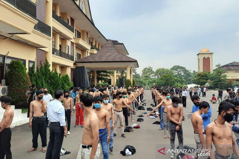 Polda Banten amankan 54 pelajar diduga akan ikut demo ke Jakarta