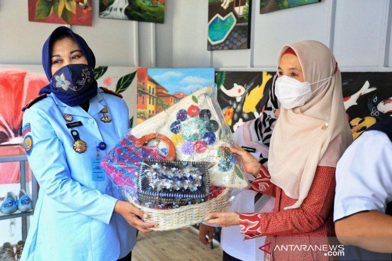 Pemkot Bandung bantu pasarkan produk narapidana Lapas Perempuan