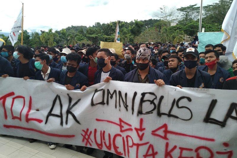 Tolak UU Cipta Kerja, mahasiswa tuntut Bupati Limapuluh Kota dan Ketua DPRD audiensi ke pusat