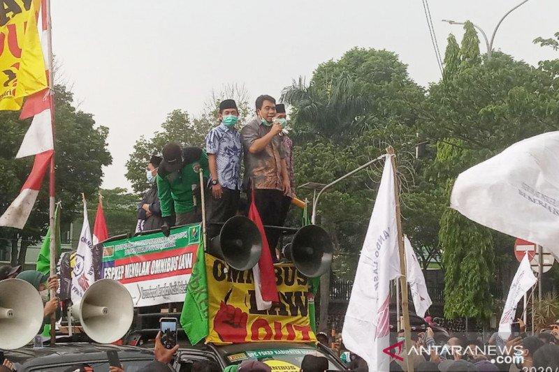 Fraksi PKS-Demokrat DPRD Bogor ikut demo tolak UU Cipta Kerja