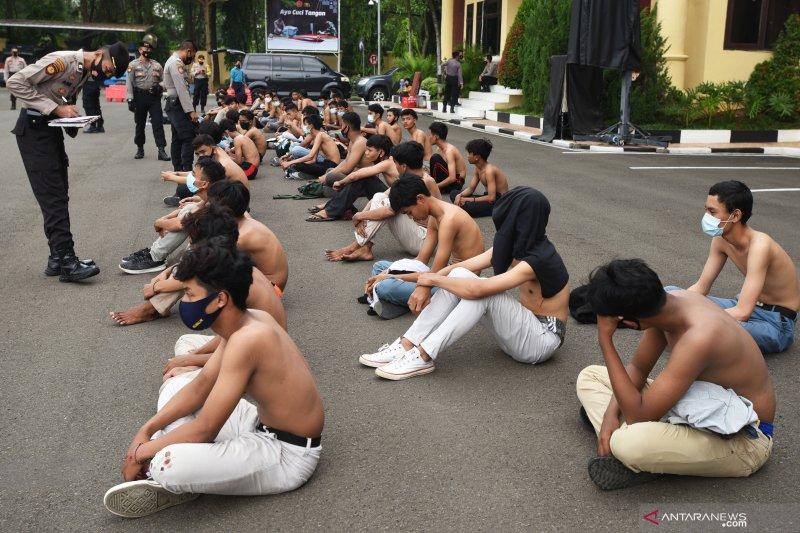 Kemarin, cegah pelajar demo hingga penyebar hoaks dicari polisi