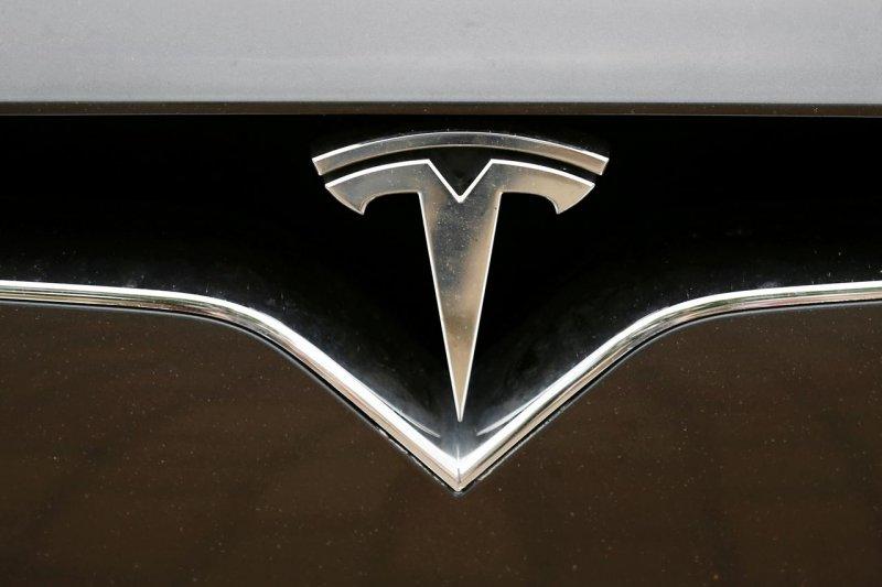 Elon Musk yakin bisa produksi 500.000 kendaraan tahun ini
