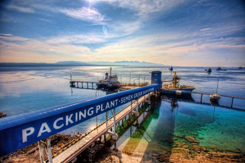 SG suplai 150 ribu ton semen pembangunan kereta Jakarta-Bandung