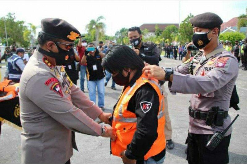 Polda Kalimantan Selatan beri jurnalis rompi untuk cegah kekerasan
