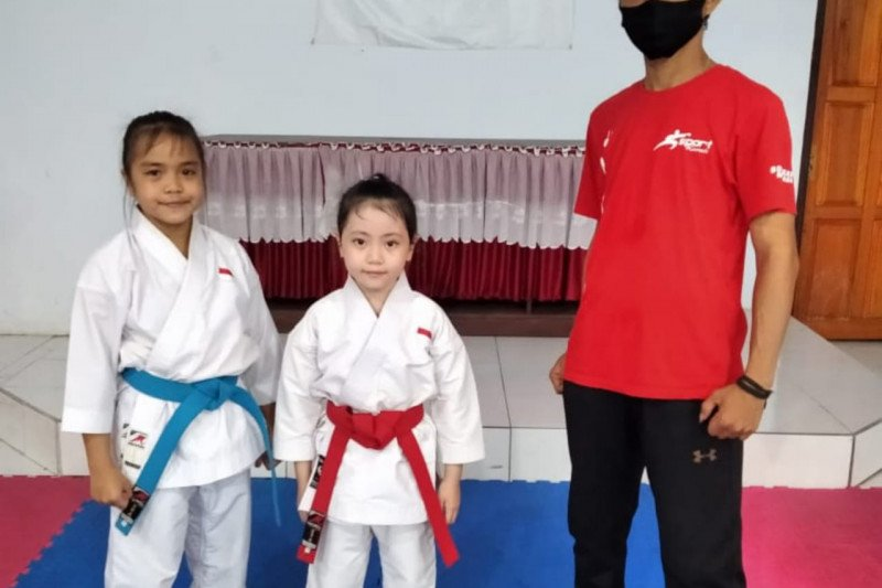 Karateka muda Sulut raih emas kejuaraan dunia di Filipina