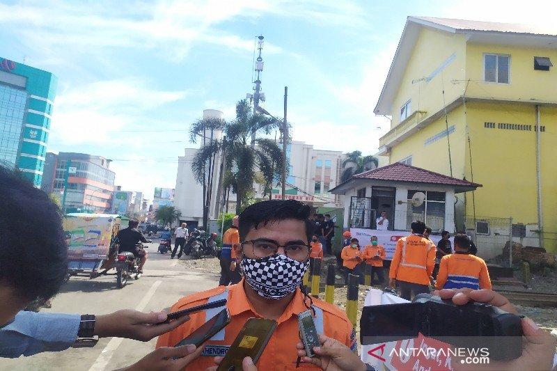 Manajemen KAI Sumut terus kampanye 3M bantu kendalikan COVID-19