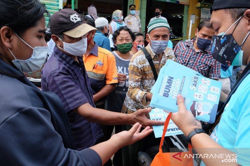 Tekan COVID, Satgas BUMN sebarkan 45.000 masker ke pasar hingga halte