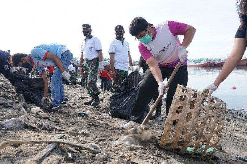 Gandeng ekosistem maritim, Pelindo III bersih-bersih sampah di Benoa